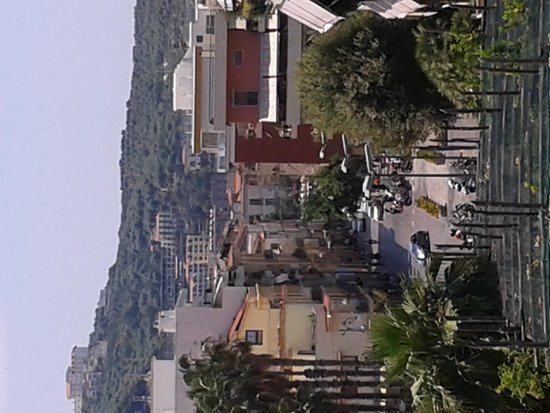 Hotel Capri: View from the roof top