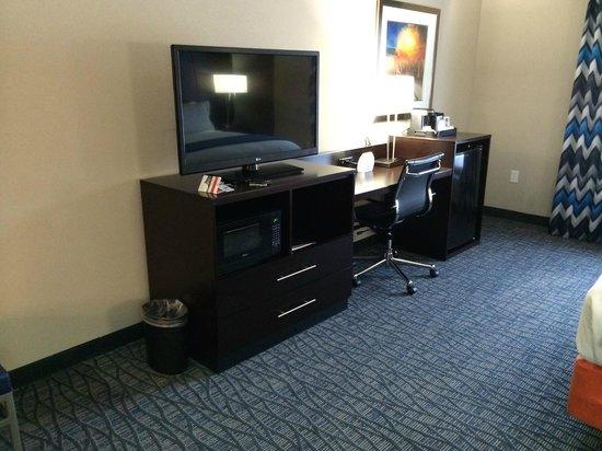 Holiday Inn Express Hotel & Suites Oklahoma City Southeast - I-35: Work Desk
