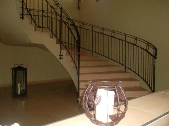 Dolce Villa Hotel: entrée