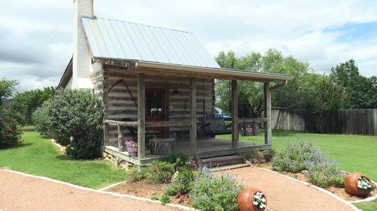Chuckwagon Inn Bed & Breakfast: Bollinger Cabin