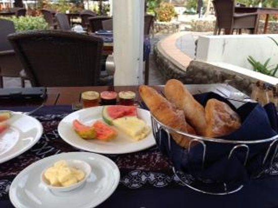 Sofitel Fiji Resort & Spa : Breakfast