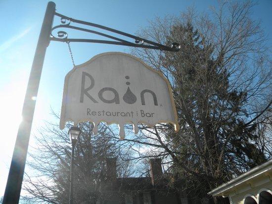 Rain Restaurant & Bar: ~