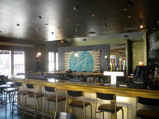 Rain Restaurant & Bar: Bar
