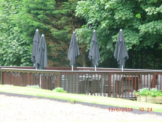 Abbey House Hotel: outside decking area