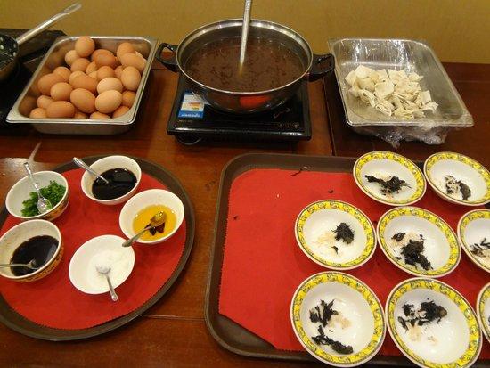 Soluxe Sunshine Courtyard Hotel: breakfast