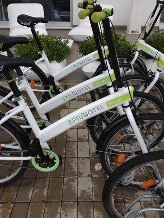 8piuhotel : bikes available