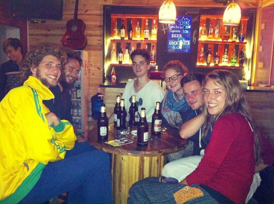 Hanoi Youth Hostel: Happy Hours at Hanoi Youth Bar (Buy one get one free Beer)
