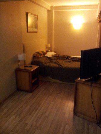 Tritone Hotel: quarto tritone1