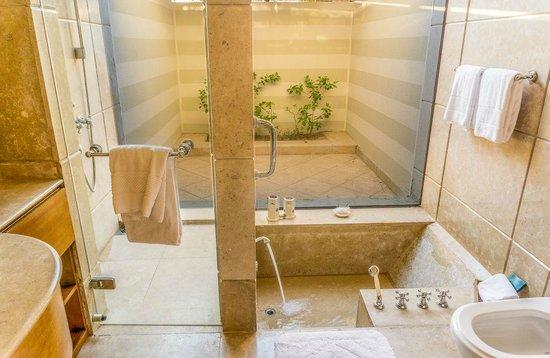 The Oberoi Sahl Hasheesh: Oberoi Bathroom