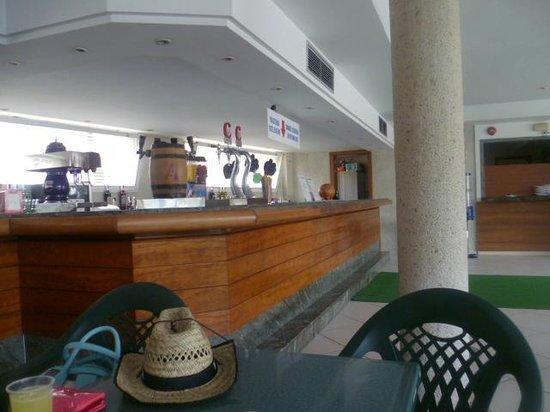 Kilimanjaro Hotel: bar