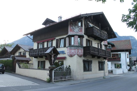 Gaestehaus Hohenzollern : The Guest House