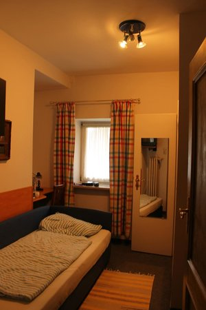 Gaestehaus Hohenzollern : A Single room
