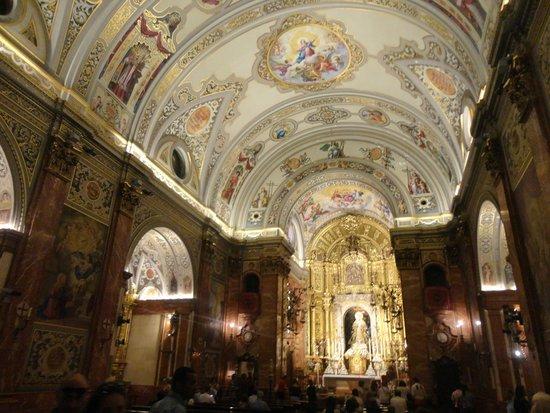 Basilica de la Macarena : Interno della Basilica