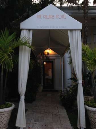 The Pillars Hotel Fort Lauderdale : Entrance to the Pillars