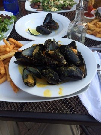 The Morrissey House: Mussels with French Fries