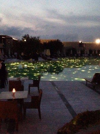 SENTIDO Port Royal Villas & Spa: Main pool area by night, beautiful