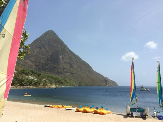Sugar Beach, A Viceroy Resort: Gros Piton from beach