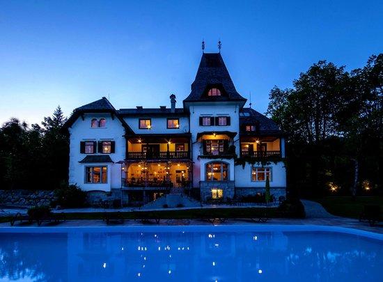 Landhaus Koller: Abendstimmung mit neuer Terrasse