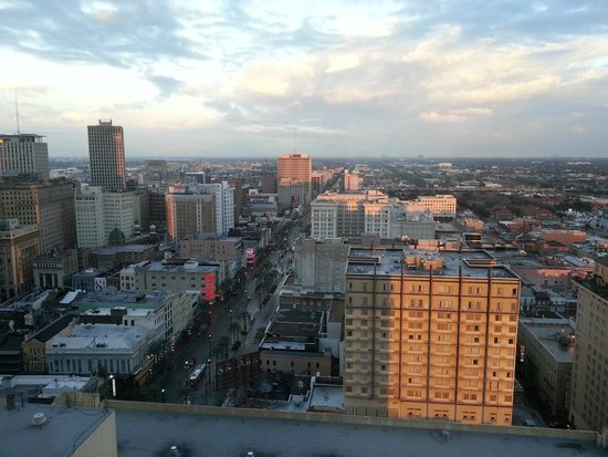 New Orleans Marriott : Room facing north up Canal Street