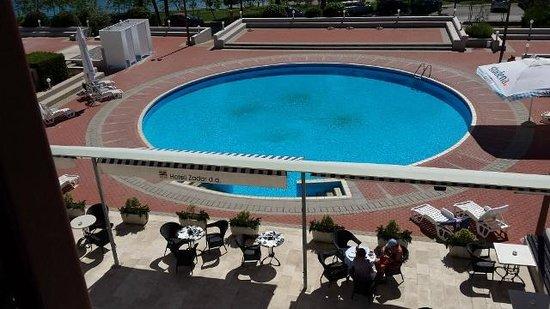 Hotel Kolovare : Pool