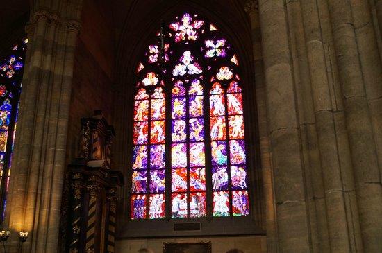 St. Vitus Cathedral: Vitrais