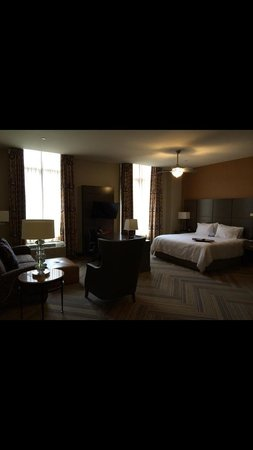Hampton Inn & Suites Austin at The University/Capitol: Suite