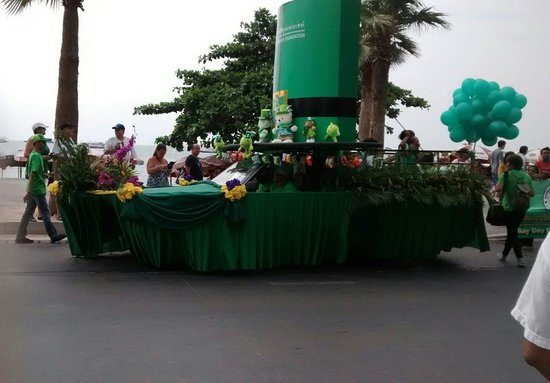 Dusit Thani Pattaya: St Patrick's day parade Pattaya March 17th 2014