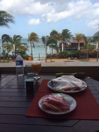Aruba Surfside Marina: Ontbijtje