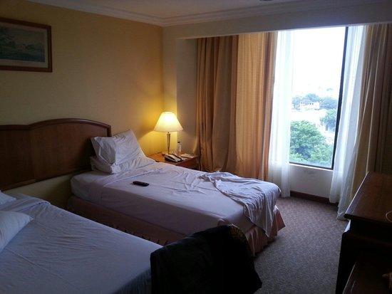 Bayview Hotel Georgetown Penang: 2 single bed room