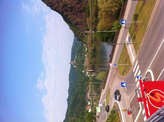 Hotel-Restaurant Stumbergers : View of road