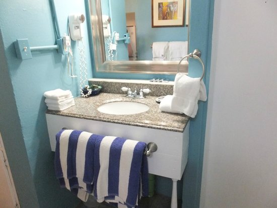 Cottages By The Sea: The bathroom sink in Coral