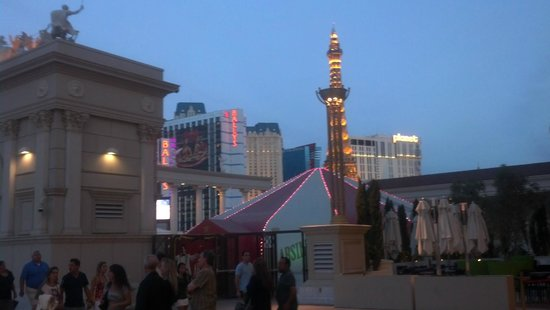 Caesars Palace : Side Entrance Terrace