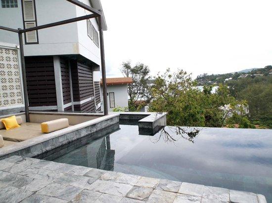 The Shore at Katathani : piscina interna