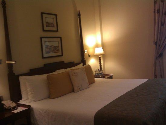 Vivanta by Taj - Connemara, Chennai: Hotel room