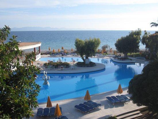 Sunshine Vacation Club Rhodes: Mot pool och hav