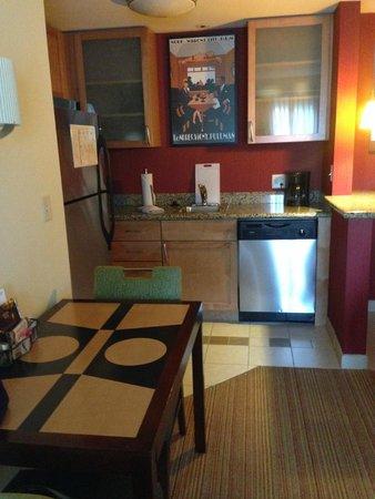 Residence Inn Chattanooga Near Hamilton Place : Kitchen