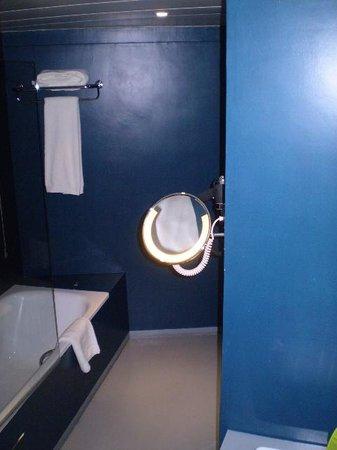 Tivoli Oriente Hotel: Vista do banheiro