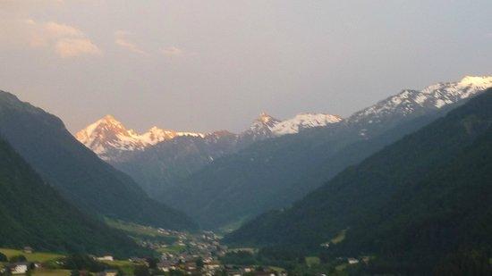 BergSPA & Hotel Zamangspitze: Zimmeraussicht - Sonnenuntergang