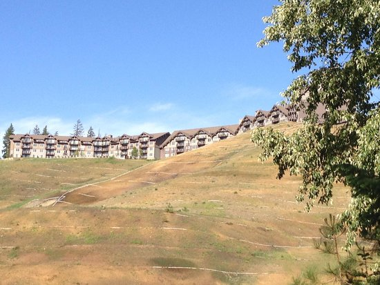 Suncadia Resort : View of resort from hiking trails