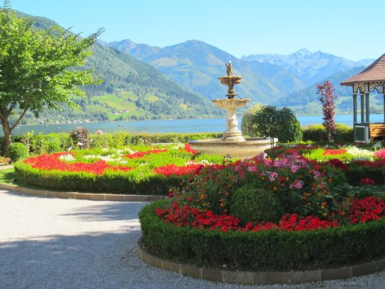 Zeller See: stroll around downtown Zell am see