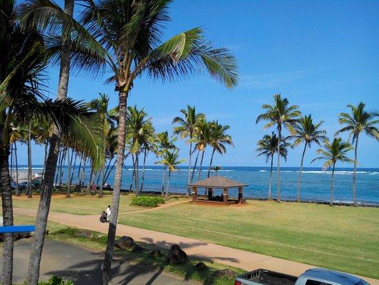 Kauai Beach House: View from balcony
