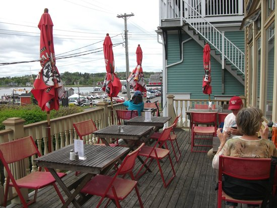 Salt Shaker Deli: Outside Deck