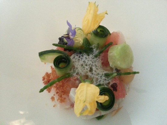Restaurant Mazie : Perfect..little fish flower garden