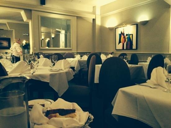 أهيرنيس تاونهاوس آند سيفوود بار: lovely restaurant