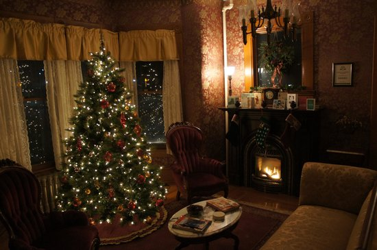 Maplecroft Bed And Breakfast: Christmas at Maplecroft