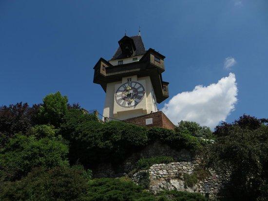 Uhrturm: Часовая башня