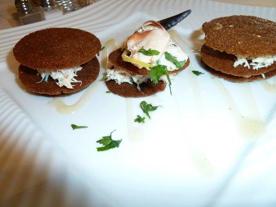 Le Mutin Gourmand: Voilà une idée originale et raffinée : petites crêpes blé noir et chair de tourteau ...