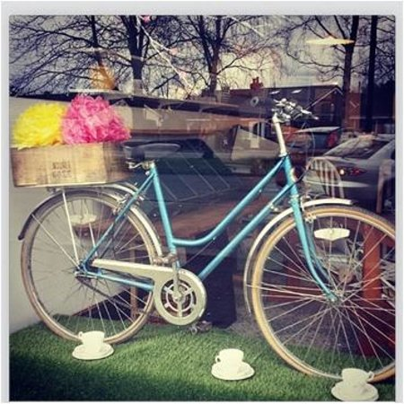 Fountains Road Bakery & Cafe: Bike