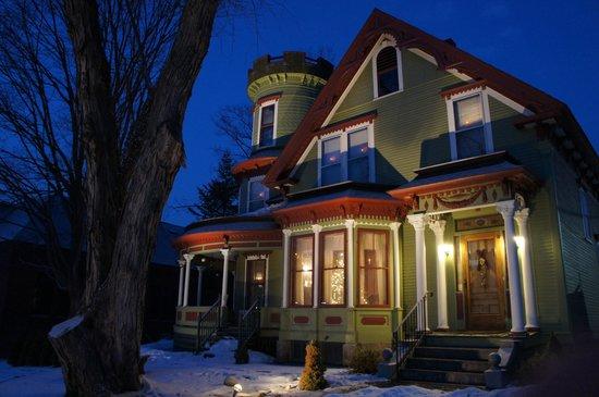 Maplecroft Bed And Breakfast: Maplecroft on a Winter Night