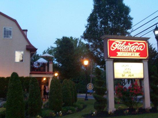 Filomena Lakeview: Filomena's